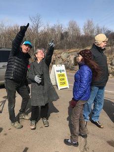 Count Interpreter John Richardson teaching visitors at Spring Count 2019